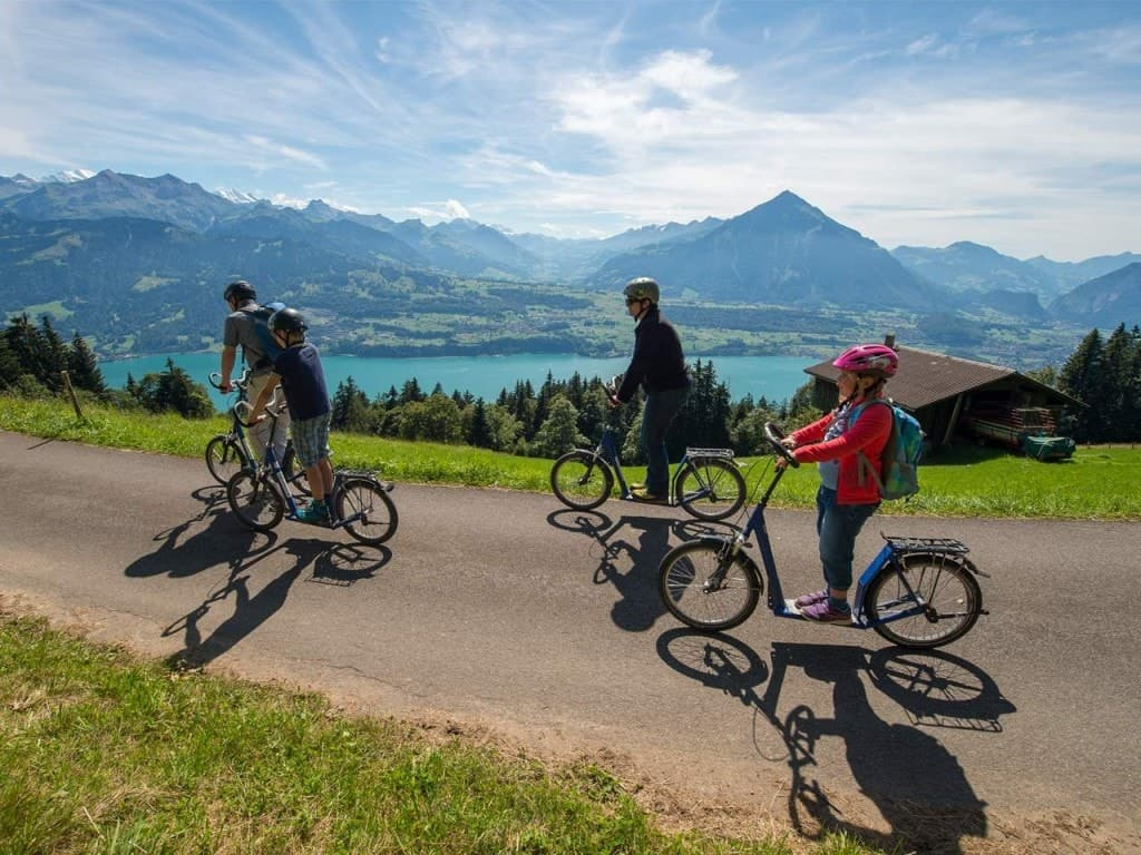 Trotti-Biken am Niederhorn – auch Kindertrottis