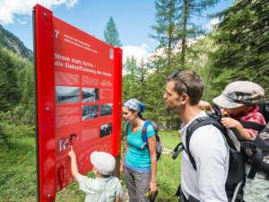 Ausflug: Bahnerlebnisweg Albula – wandern entlang einer Pionierleistung
