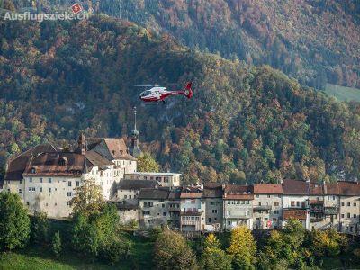 Swiss Helicopter Ausflüge: : Helikopter Rundflug: Schloss und Seenflug Gruyère