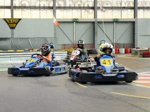 Ausflug: Indoor Kartbahn Muntelier bei Murten