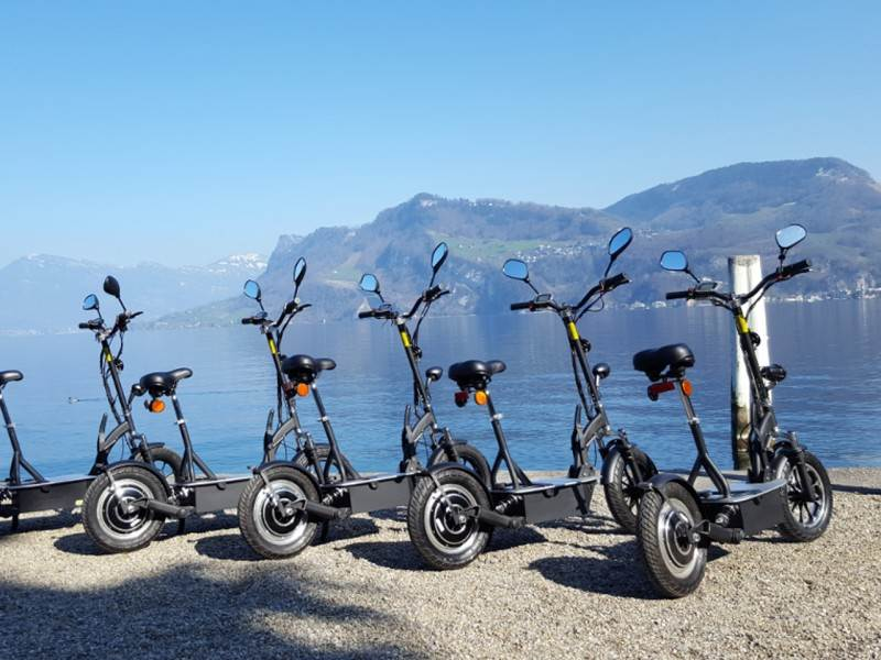 Tour mit Electro-Scooters